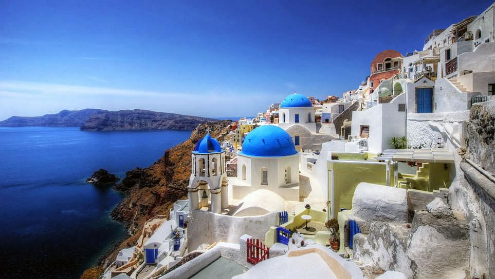 Traveling to Greece continues to Grow